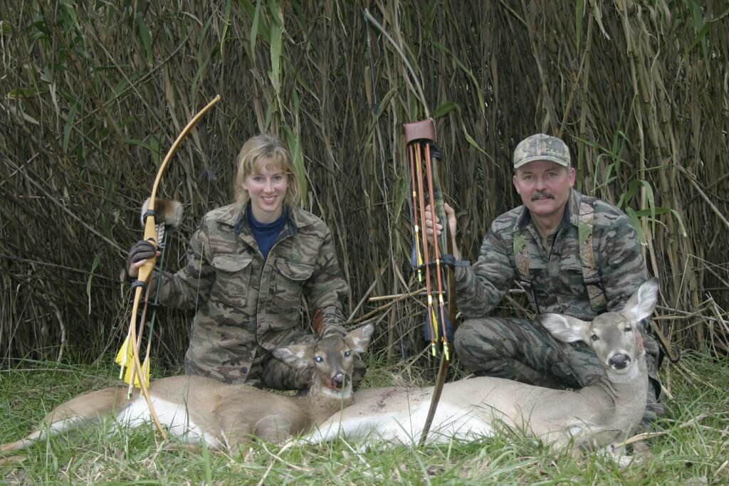 Gary and Connie Renfro KS selfbow Doe 2004